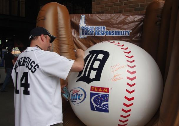 Detroit Tigers, Miller Lite Reward Responsible Fans